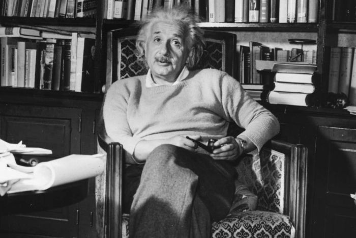 a summary of the life and works of albert einstein Albert einstein's major contributions to science include the theory of relativity, the origins of quantum theory and the theory of critical opalescence some of his awards and honors include the.