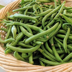 green beans in a basket